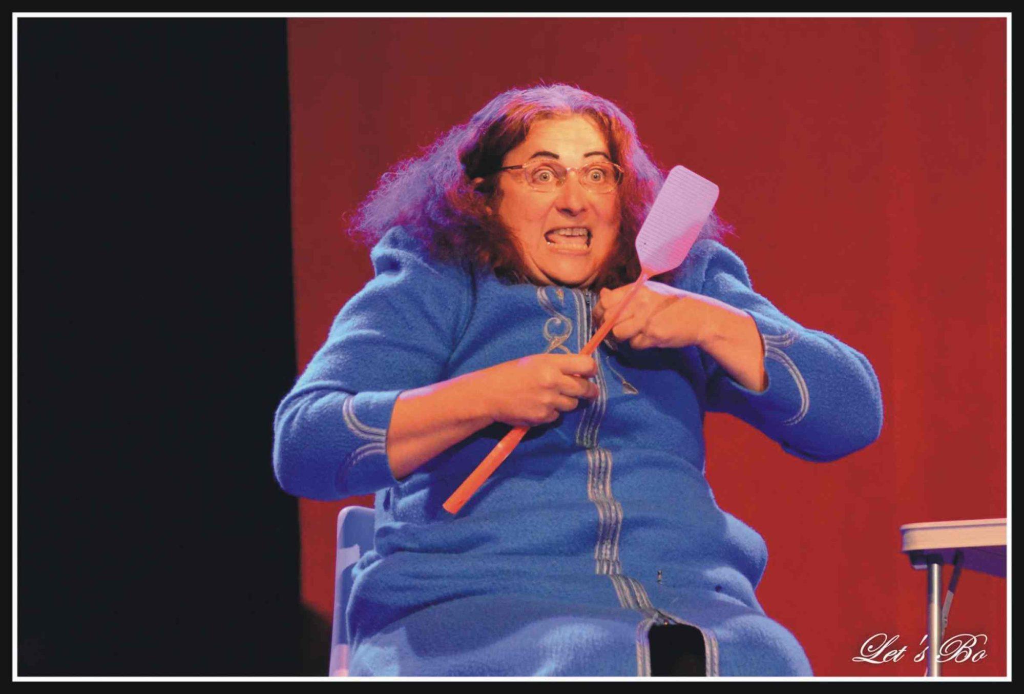 Marta et la mouche -Nase immense cabaret de petits clowns