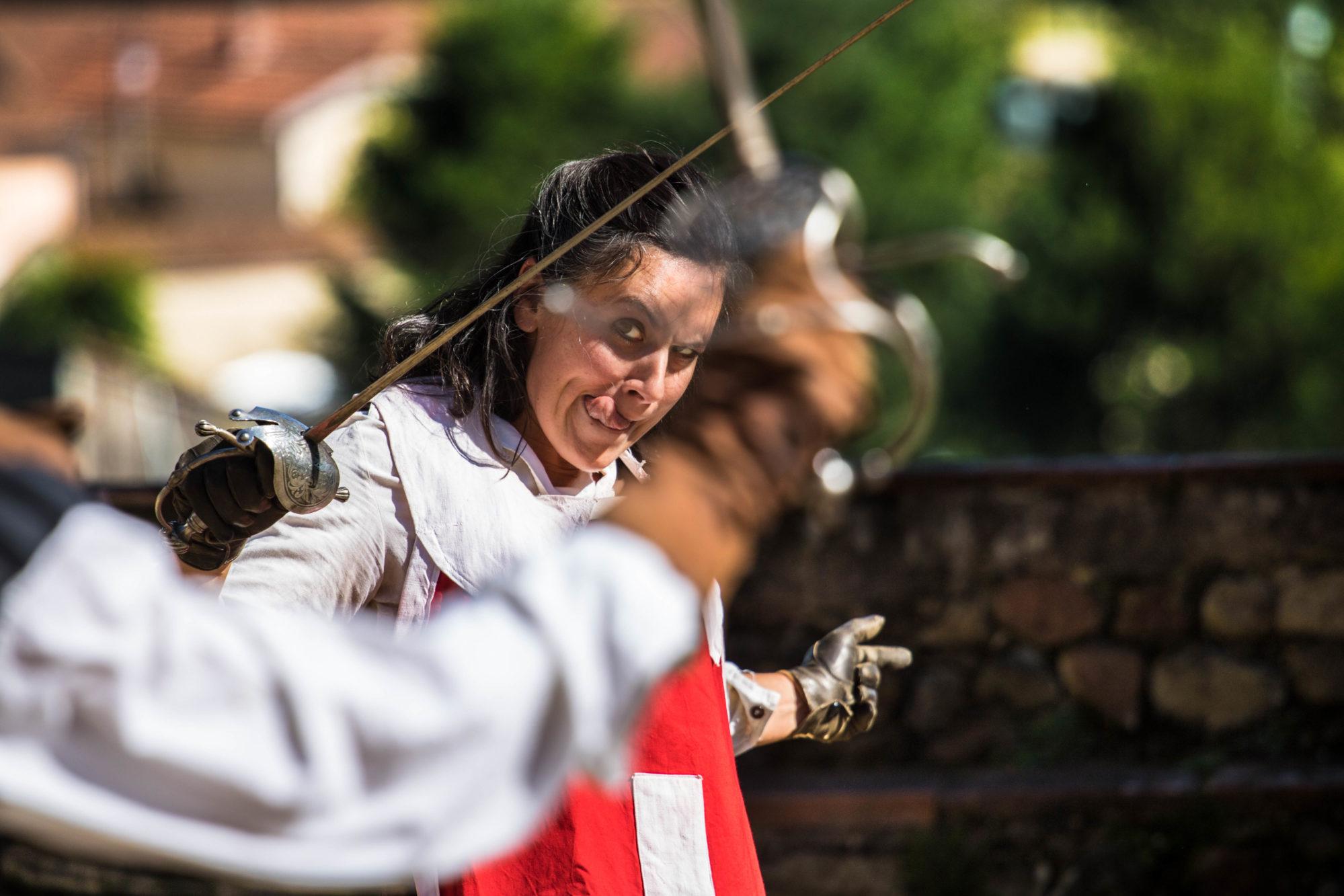 Garde-cardinal-Un-pour-tous-Moi-dabord-Photo-Pacome-Rotondo