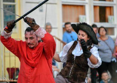 un pour tous moi d abord festival sorties de bains cie colegram Coline Bouvarel Gaël dubreuil