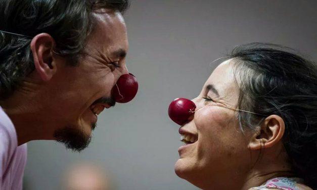 Clown poursuite des aventures dans le Jura