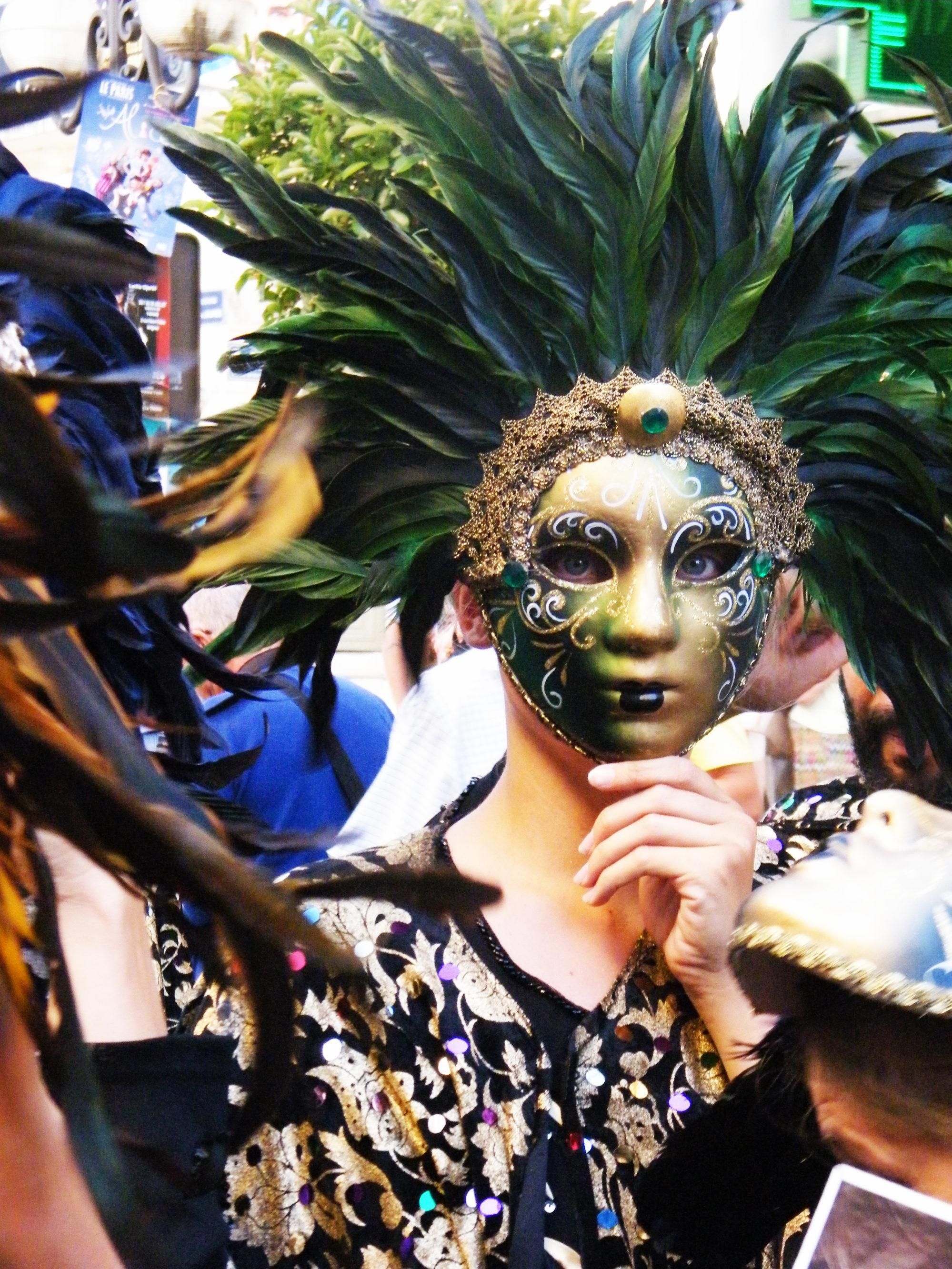 festival avignon off parade