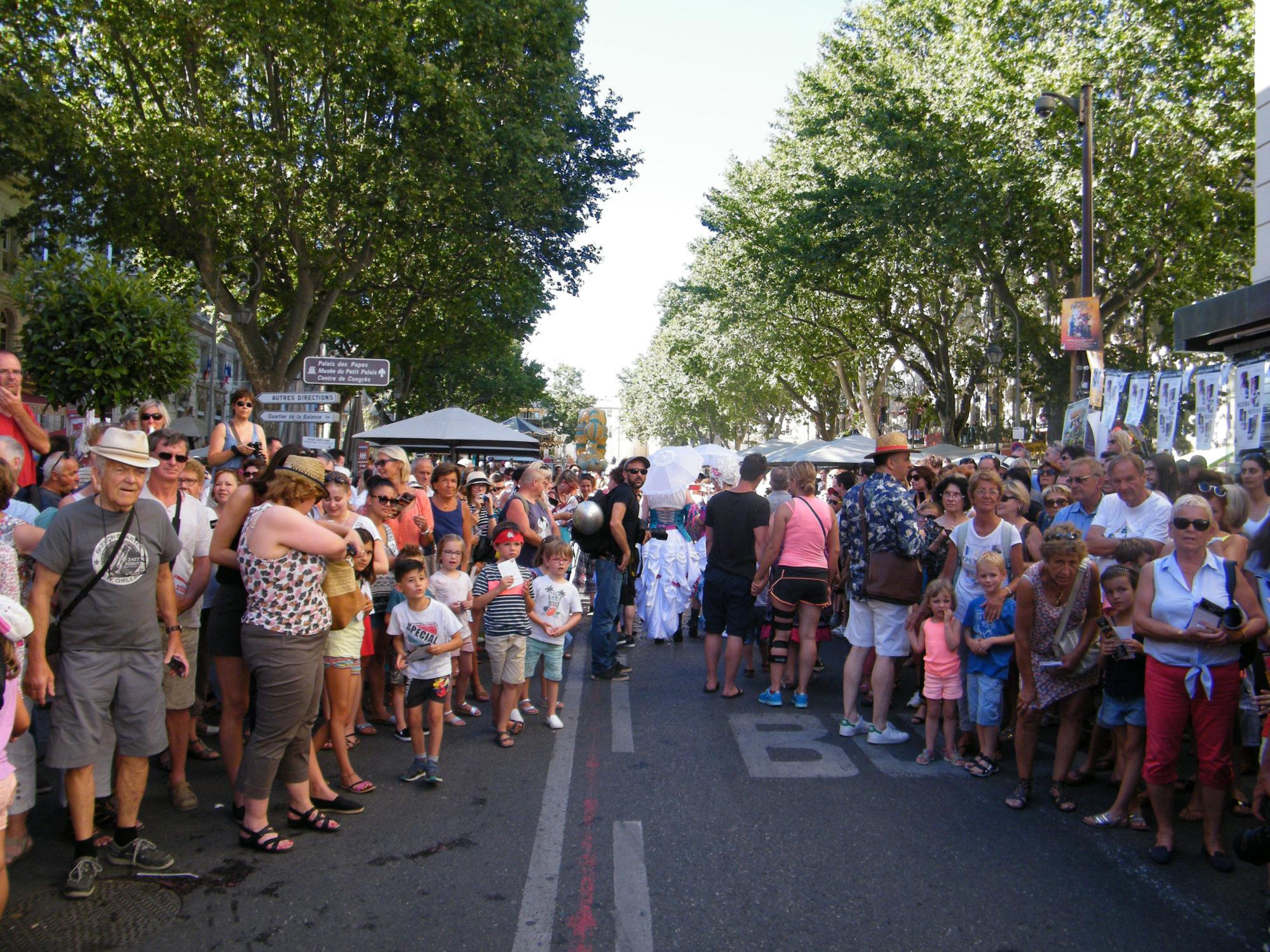 festival avignon off arrivée parade