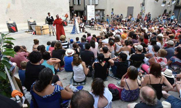 """Le spectacle """"Un pour tous, moi d'abord ! Coup de cœur du festival d'Aurillac 2017"""